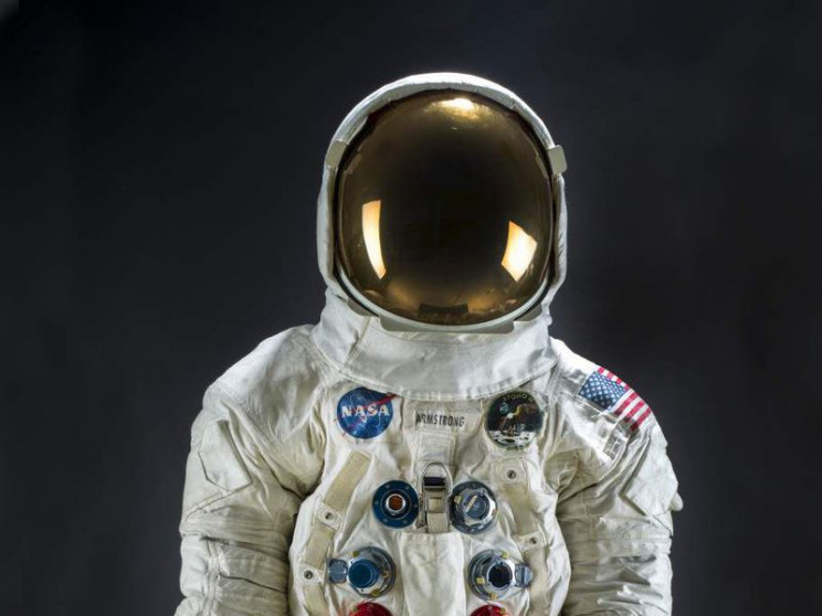 Neil Armstrong's Lunar Spacesuit Back on Display at Smithsonian
