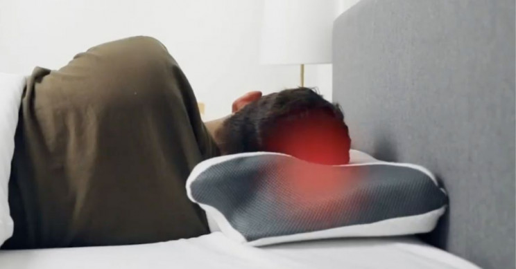 This 8 in 1 Carbon Bamboo Pillow Protects Against Allergens and Bacteria