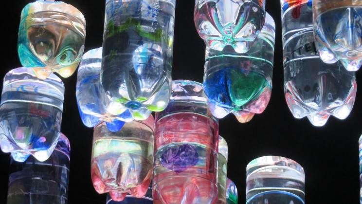 'Daylight System' Empowers Communities With Bottled Light