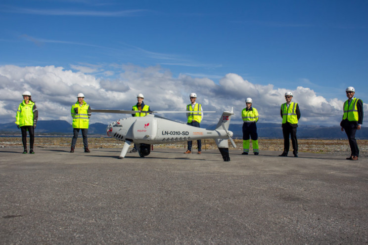 Camcopter S-100 Helicopter Drone Revolutionizes Oil Rig Deliveries