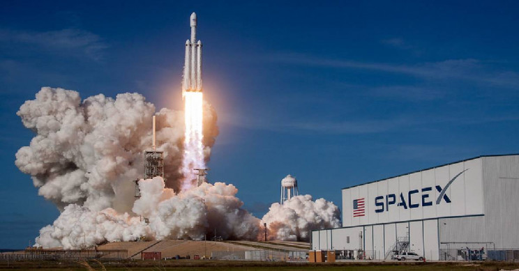 SpaceX Wins Launch Services Contract for the Heavy Metal Asteroid Psyche Mission