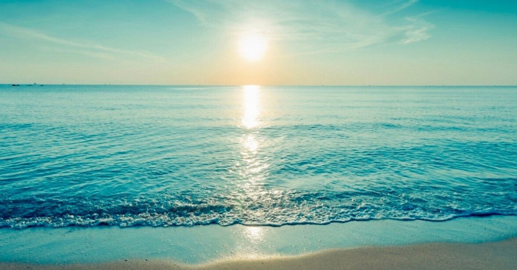 New Technology Makes Seawater Drinkable Using Sunlight
