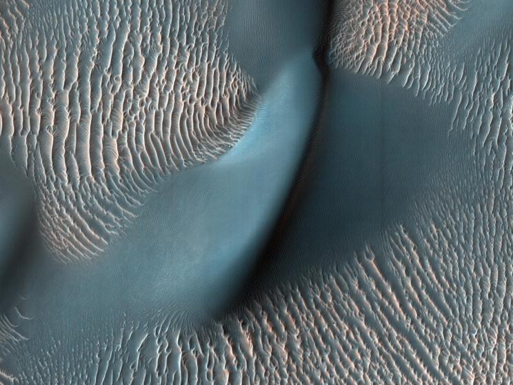 NASA Celebrates 15 Years of Mars Orbiter With Spectacular Images