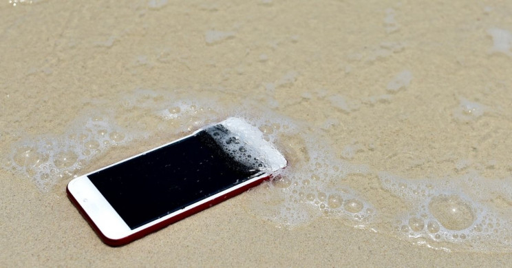 Apple Fined €10M Over Misleading iPhone Water-Resistance Claims