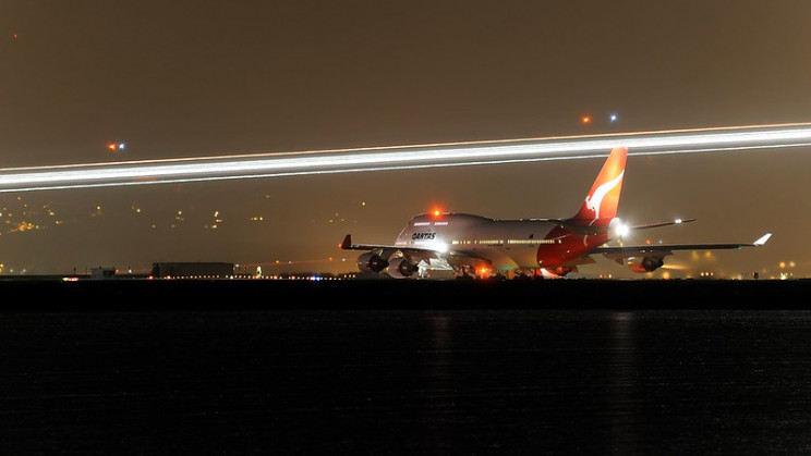 What All Those Striking Aircraft Lights Actually Mean