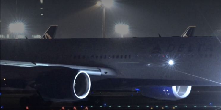 aircraft lights wing inspection