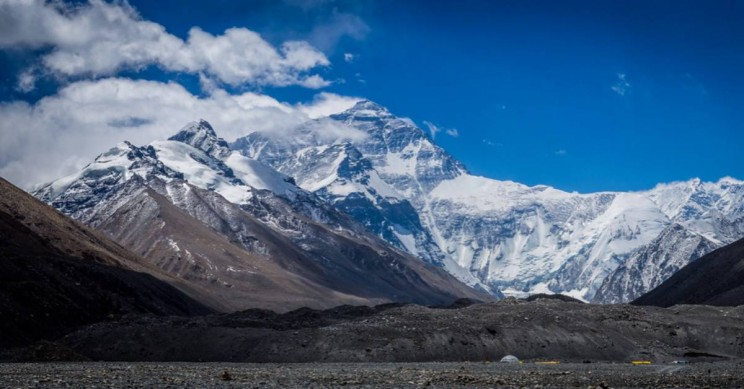 Ten Dead on Mt. Everest as Climbers Line up for Hours to Reach Peak