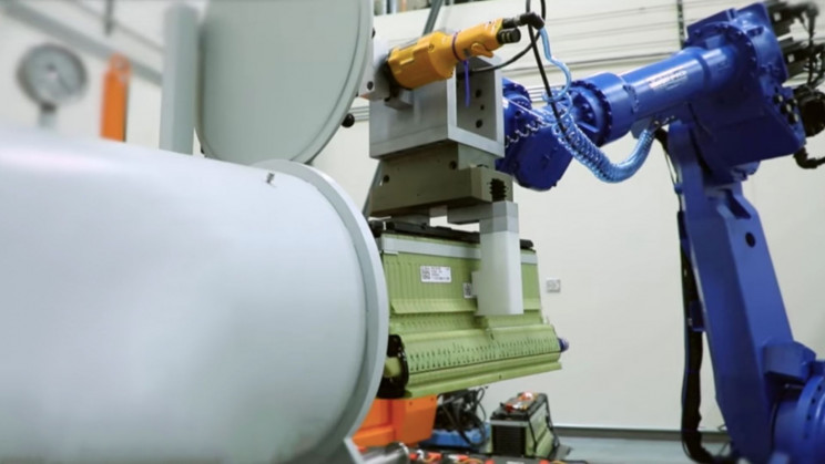 Disassembly Robot Makes EV Battery Recycling Almost 10x Faster