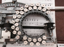 Groovy 1950s Typewriter Lets You Write Music