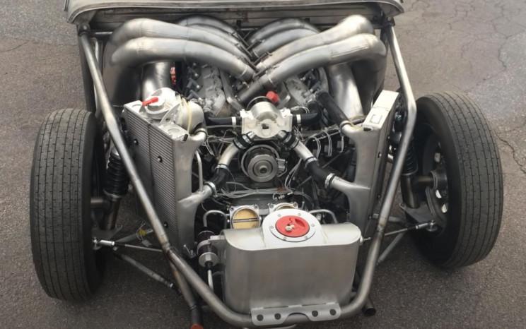V8 Volvo Engine Revs