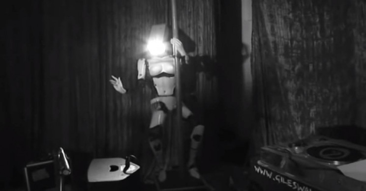 French Night Club to Debut Robot Pole Dancers