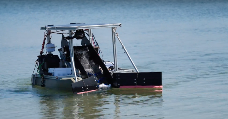 Engineering Students Test Ocean-Cleaning Semi-Autonomous Robot FRED