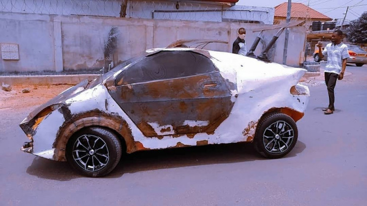 Ghanaian Prodigy Builds $3,000 DIY Car With Scrap Pieces