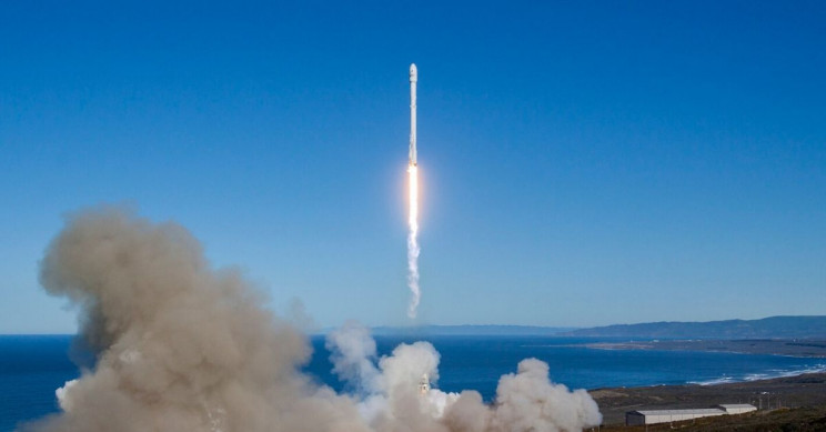 SpaceX Focuses on Building Floating Spaceports for Mars Missions