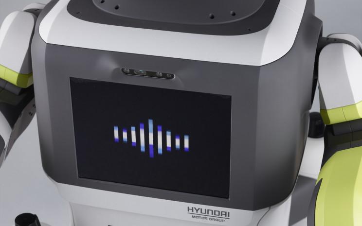Hyundai Pilots Its AI-Powered Automated Customer Service Robot, and Its Adorable