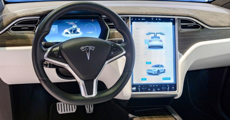 Tesla Hacker Hints at New 5G, Hotspot Software Update