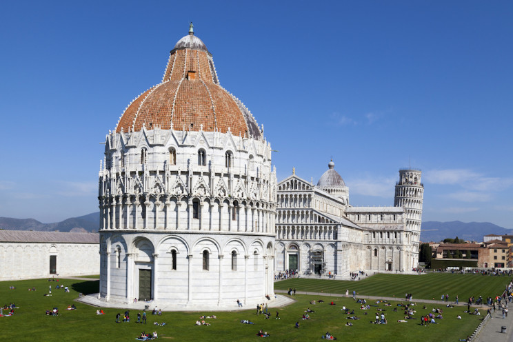 9 Impressive Facts About the Infamous Leaning Tower of Pisa