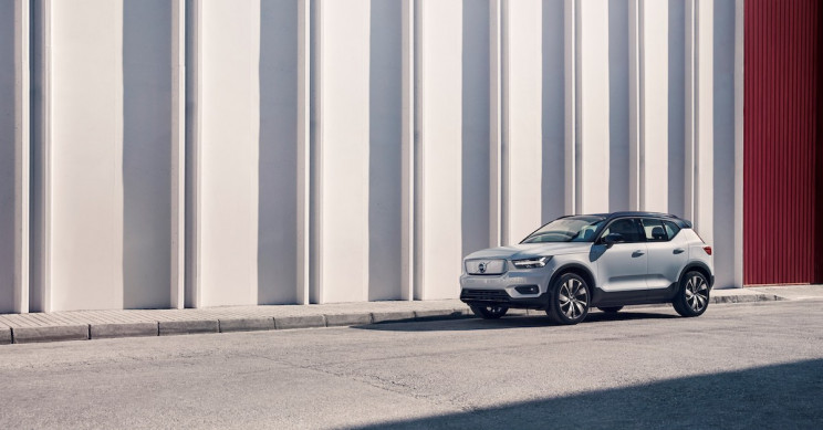 Volvo Launches Its First Fully-Electric Car, the XC40 Recharge