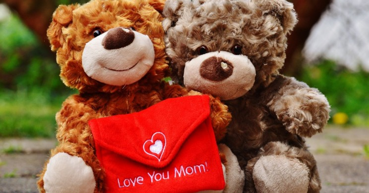 Some Cool Gadgets as Gifts Ideas to Spark Joy on Mother's Day