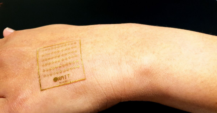 Pain-Sensing Artificial Skin Reacts to Pressure and Temperature