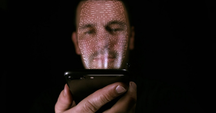 Security Researchers Defeated Face ID Using Glasses and Tape