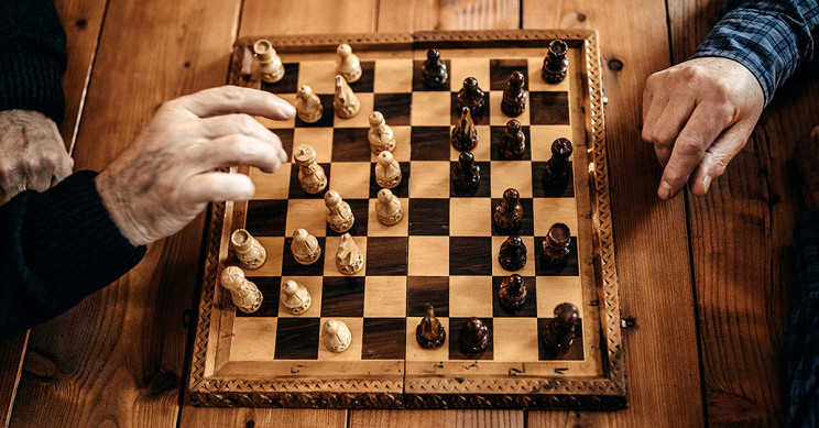 Brain Peaks at Age 35 and Declines after 45, Study of Chess Players Says