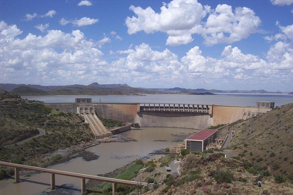 Water splurging out of Gariep dam