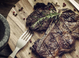 Spanish Start-up Makes Realistic Steak from Peas and Seaweed