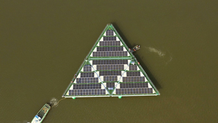 A New Hurricane-Resistant Floating Solar Farm Could Help Replace Fossil Fuels