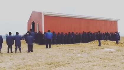 Forget  a Crane, Amish Men Move a Huge Barn With Strength Alone
