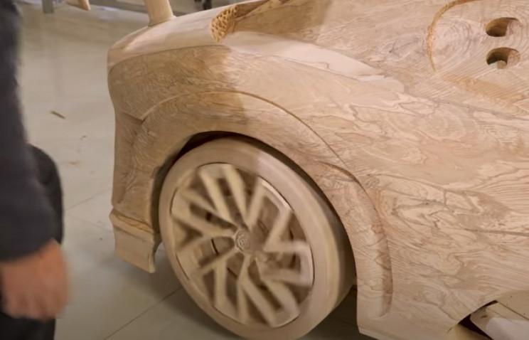 diy wood carved bugatti wheels