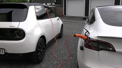 This E-Car Enthusiast Charge His Tesla Model 3 with a Honda E