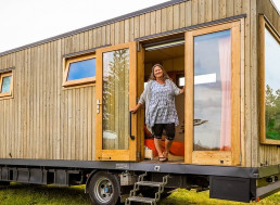 Traveler Builds Tiny House and Mounts It on Isuzu Truck