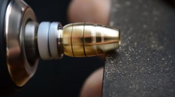 nut and botl wasp abdomen stripes