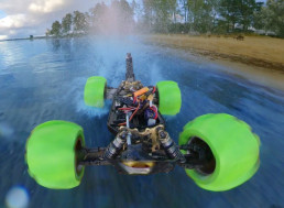 Man 3D Prints Special Tires for His RC Car, Drives It on Water