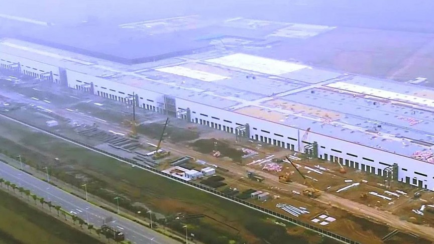 This Drone Video Shows Tesla's Gigafactory 3 in Shanghai, China Nearing  Completion