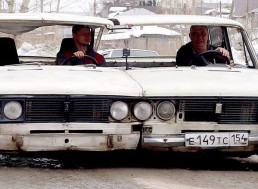 Mechanics Turn Two Classic LADAs into One Wide-Body Car