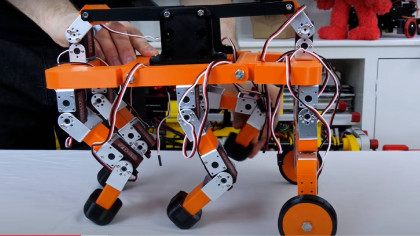 Watch This Cute Home-Made Robot Climb Over Obstacles