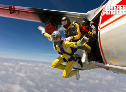 Why Commercial Airlines Don't Carry Parachutes