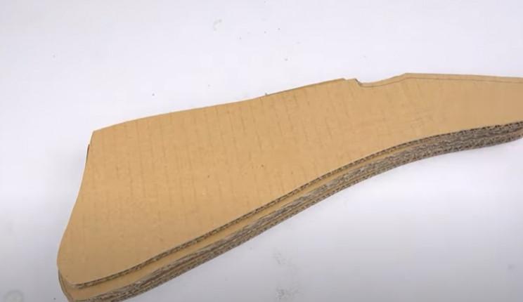 diy cardboard tommy gun butt assemble