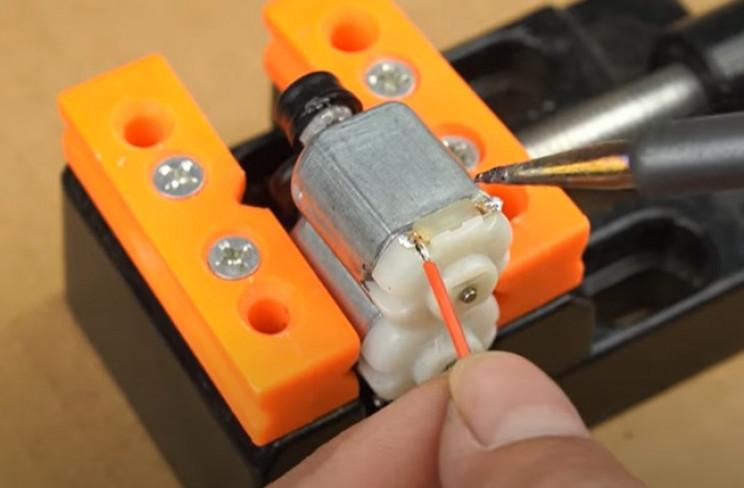 diy cardboard wire up motors