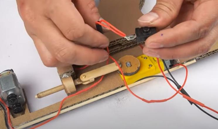 diy cardboard tommy gun wiring