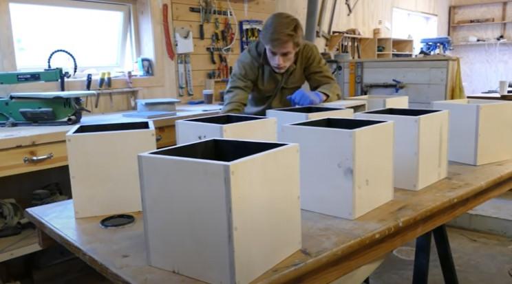 diy transforming bookshelf paint