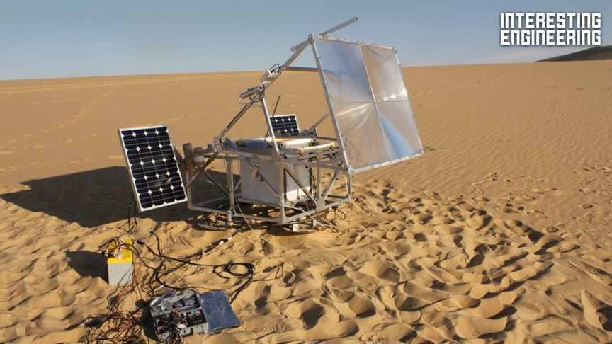 This Solar-Powered 3D Printer Turns Sand into Glass Sculptures