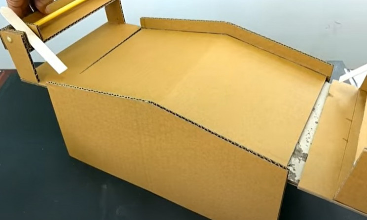 diy cardboard game 1 glue flippers