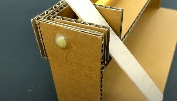 diy cardboard game 1 rod