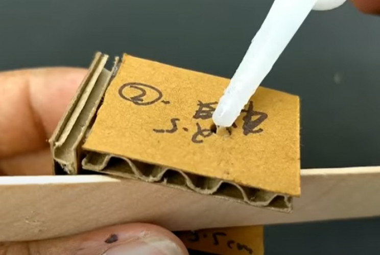 diy cardboard game 1 hinge
