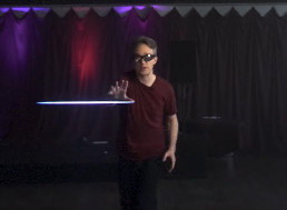 YouTuber Stops Laser Beam in Mid-Air with His Bare Hands