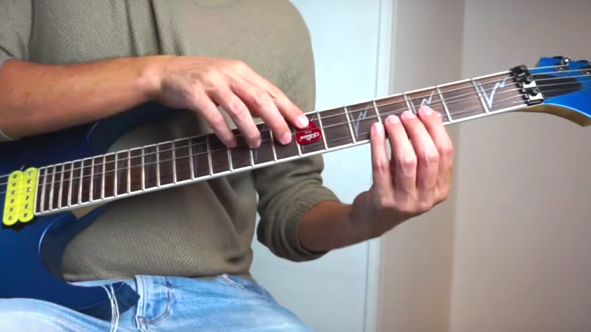 Watch This Musician Emulate the Sound of a French Horn, Trumpets, and More with His Guitar