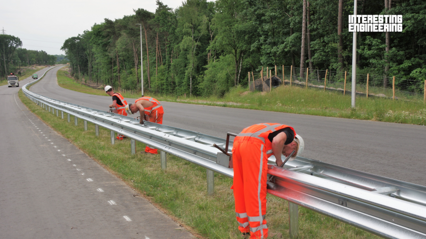 How the Best Road Barrier Systems Are Made